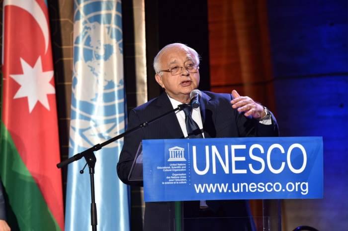 Veranstaltung zum 600. Jahrestag des Todes von Imadeddin Nasimi im UNESCO-Hauptquartier