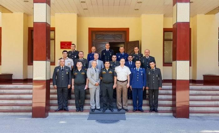 El Grupo de Treaning de la OTAN realiza el seminario en Bakú