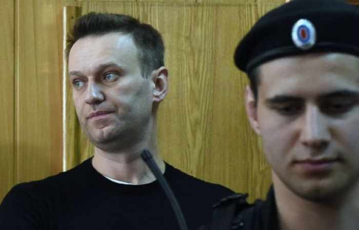 Air ambulance leaves Germany to bring Navalny to Berlin for treatment