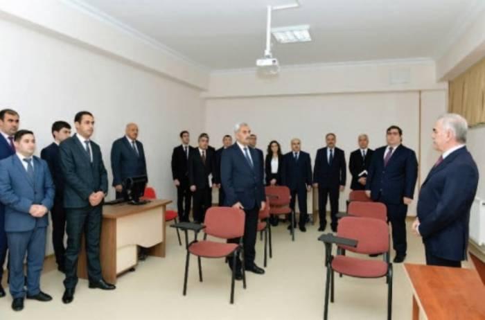 Vasif Talıbov yeni mərkəzi istifadəyə verdi