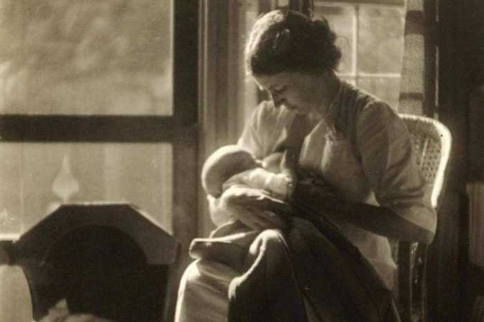Victorian women photographed breastfeeding their babies