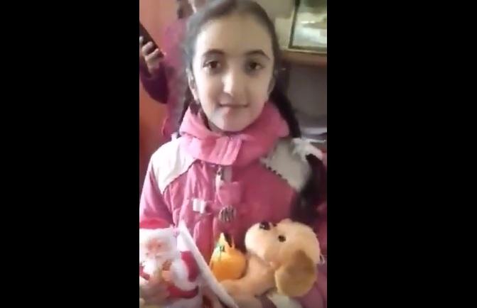 Şaxta Baba 10 yaşlı qızın arzusunu necə yerinə yetirdi – VİDEO