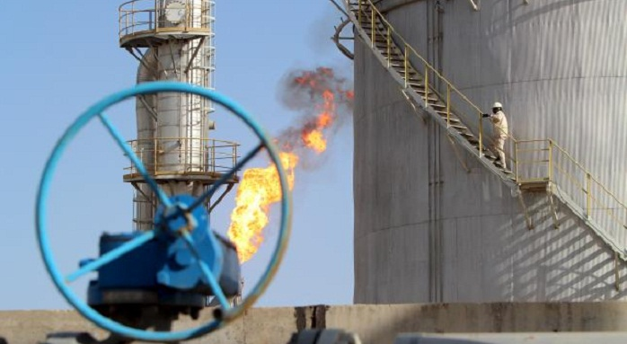 Azeri Light crude falls on world markets