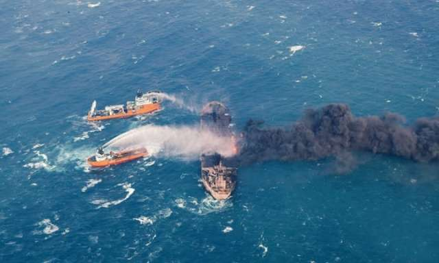 China: oil slick from sunken tanker trebles in size