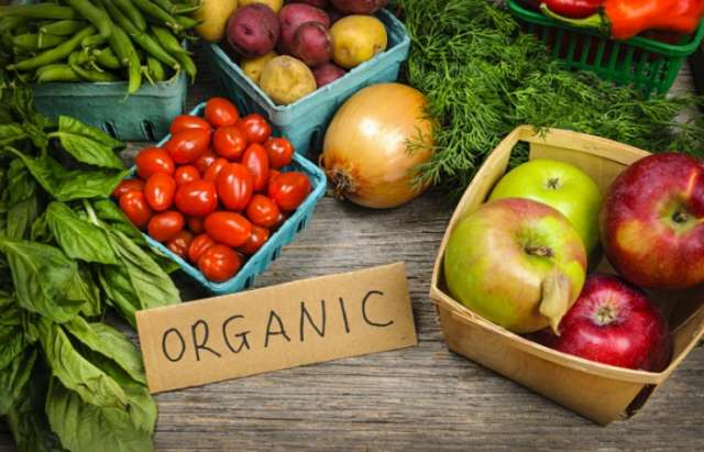 15 fruits and vegetables at the supermarket you should NEVER pay extra for 'organic'