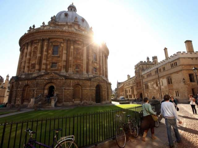 Oxford to ban non-electric vehicles to create 'zero-emissions zone'