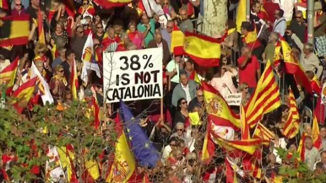 Catalonia independence: Huge Barcelona pro-Spain rally