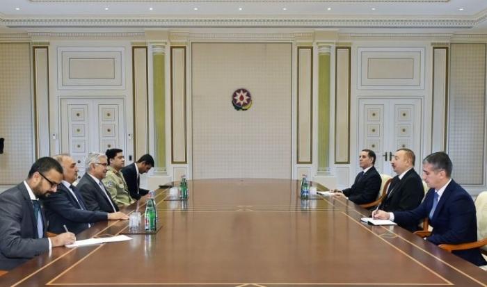 Azerbaijani president receives Pakistani foreign minister