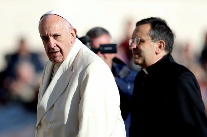 Pope says world should condemn 'very possession' of nuclear weapons