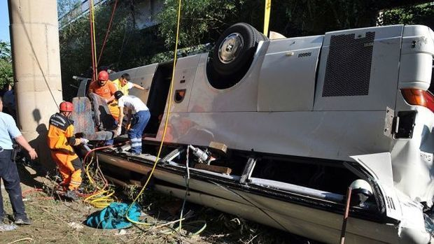 Ankarada avtobus aşıb, 28 nəfər yaralanıb