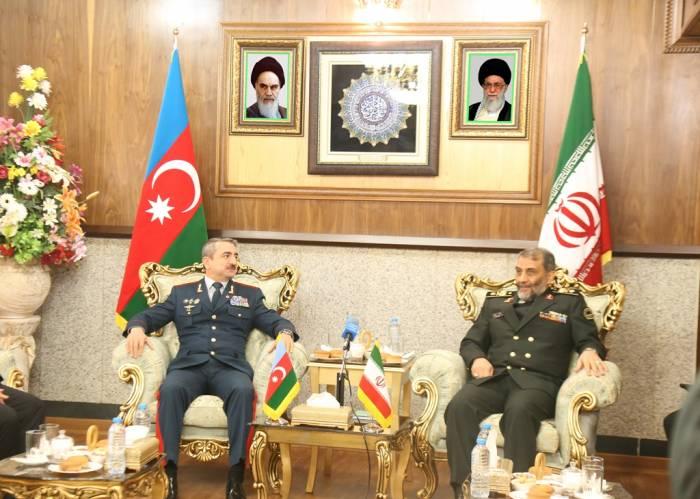 Las conversaciones entre los generales de Azerbaiyán e Irán-FOTOS