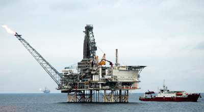 SOCAR building new offshore oil platform