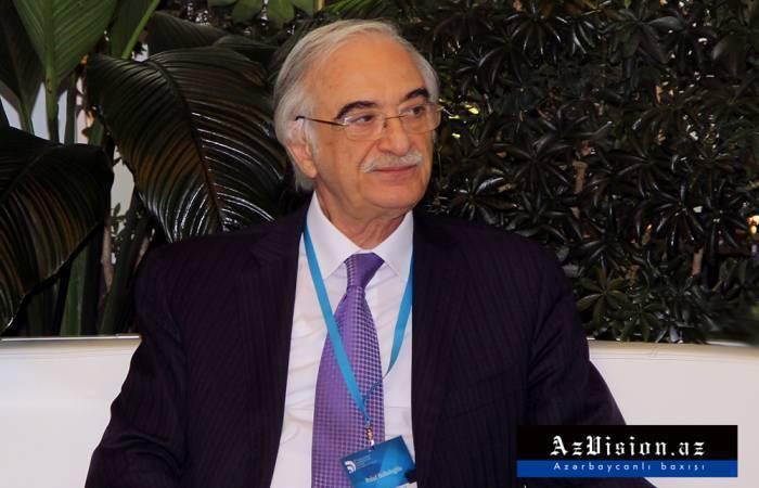 Polad Bülbüloğlu Rusiyada medala layiq görülüb