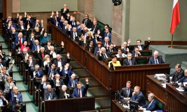 Polish MPs pass judicial bills amid accusations of threat to democracy