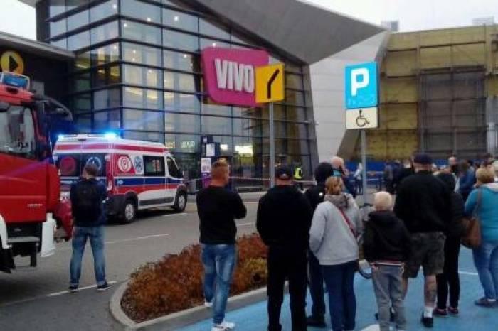 Pologne: Huit personnes poignardées dans un centre commercial