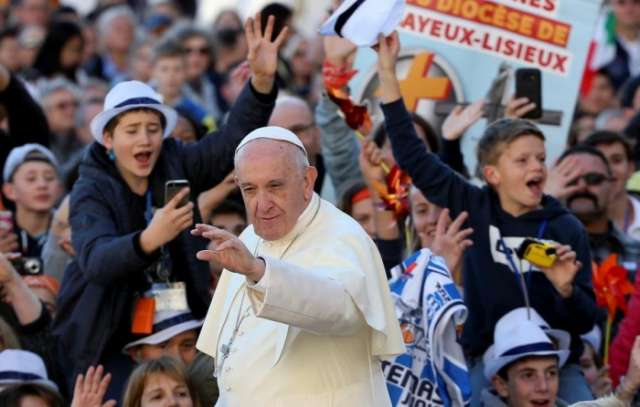 Pope urges EU to rediscover unity if it wants a future