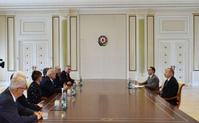 Azerbaijani president receives former state and government leaders attending Global Young Leaders Forum