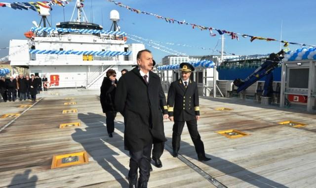 Prezident sərnişin gəmilərini istifadəyə verdi