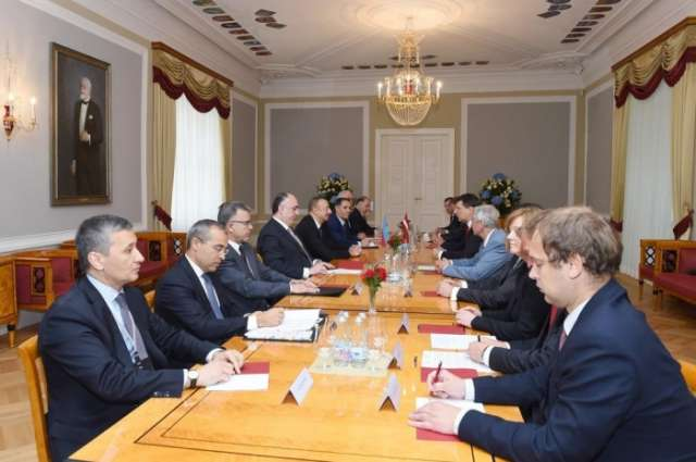 Presidents of Azerbaijan, Latvia meet in expanded format