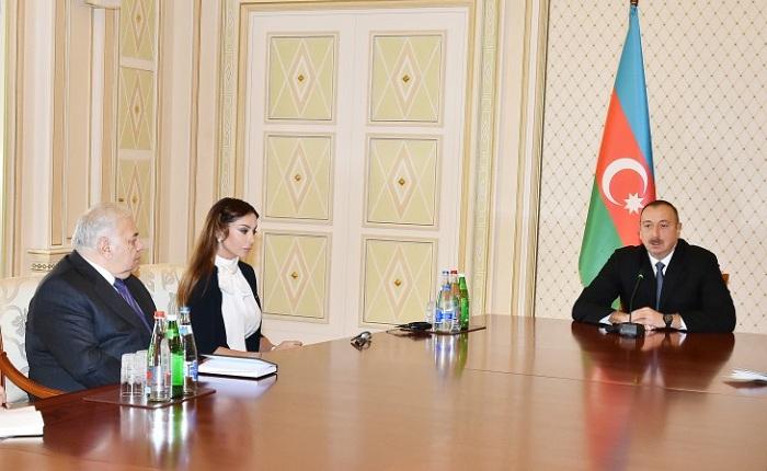 `Mehriban Əliyeva çox böyük işlər görüb` - Prezident