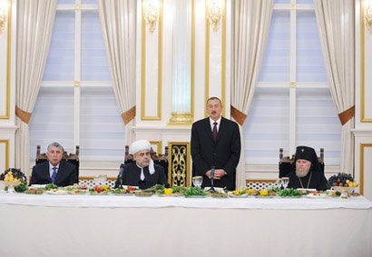 President Ilham Aliyev attends Iftar party