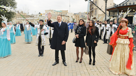 Prezident və ailəsi Novruz şənliyində - FOTOSESSİYA