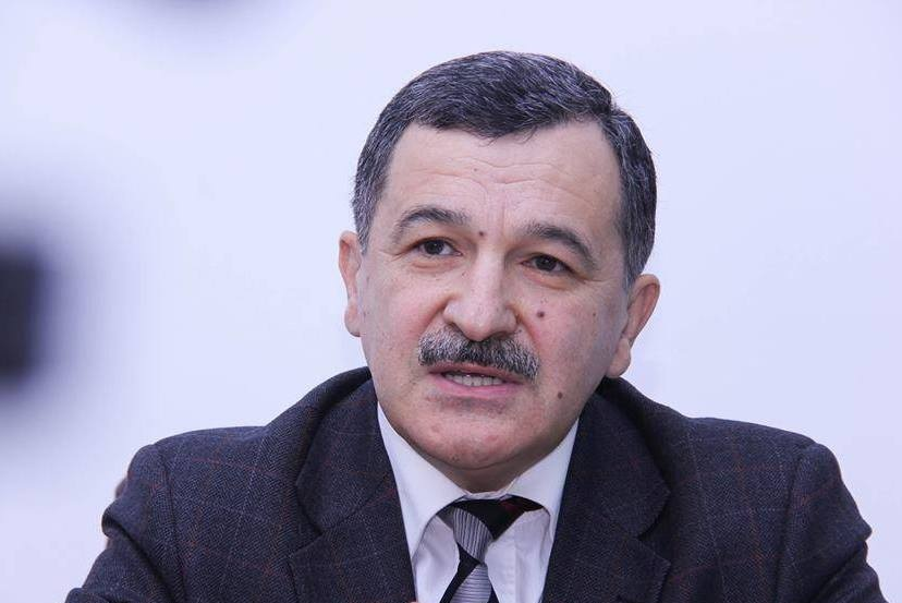 """YAP-çı deputat: """"Xaçaturov özünü insan kimi aparmalıdır"""""""