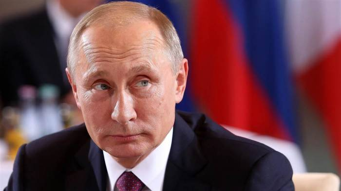Putin Peterburqdakı partlayışı terror adlandırdı