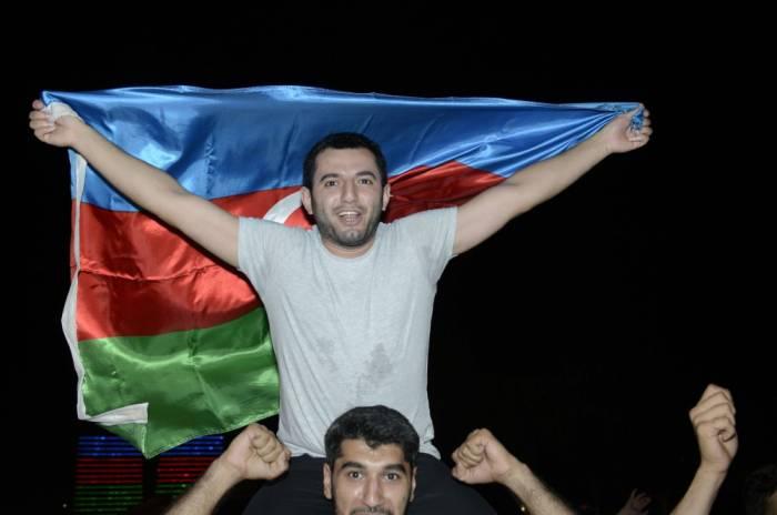 """Bakıda """"Qarabağ"""" coşqusu - FOTOLAR"""