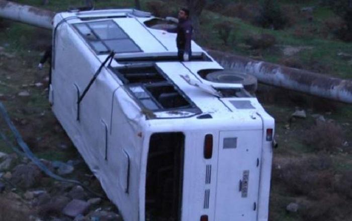 20 nəfərin yaralandığı avtobus qəzasının təfərrüatı