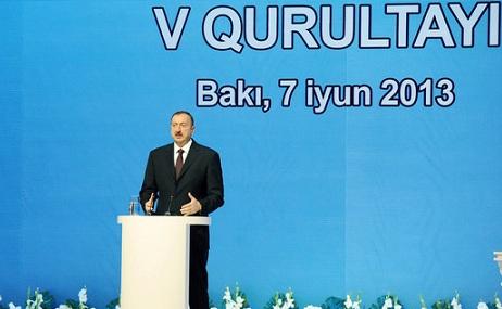 """İlham Əliyev: """"Müxalifət Qarabağı ermənilərə bağışlamağa hazırdır"""""""