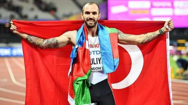 Ramil Guliyev pips Wayde van Niekerk to win 200m at world championships - VIDEO