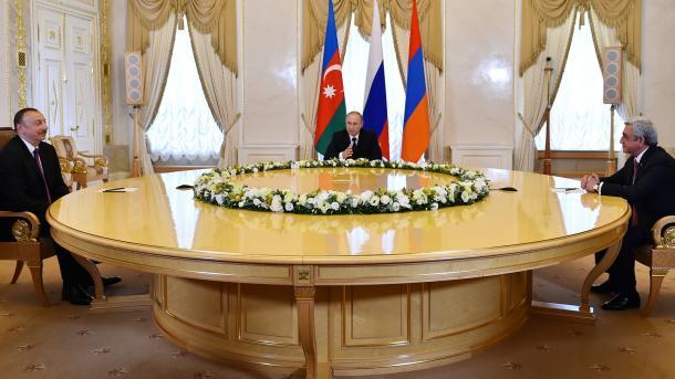 Reunión tripartita en San Petersburgo para abordar la cuestión de Alto Karabaj