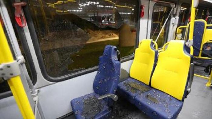 Bakıda avtobus daşa basılıb - BNA səbəbini araşdırır