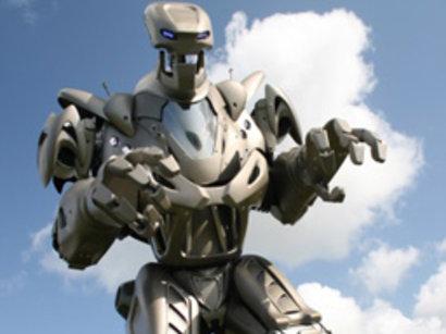 Titan the Robot visits Azerbaijan