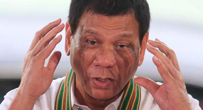 Filipinas: Duterte cesa al subsecretario de transporte por usar su nombre en un proyecto ferroviario