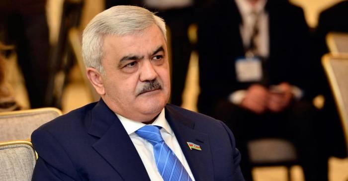 Rövnəq Abdullayev Rusiyada danışıqlarda