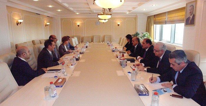 Azerbaijani Minister meets Asian Development Bank delegation