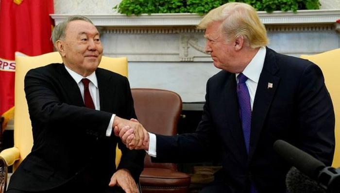 Nazarbayev Ağ evdə Trampla görüşüb