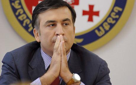 Ruslar Saakaşviliyə hücum etdi