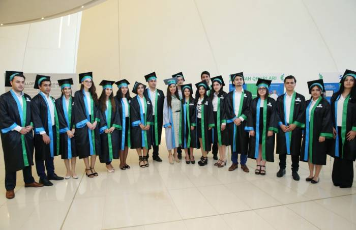 Une cérémonie «Diplômé de SABAH» s'est tenue à Bakou - PHOTOS