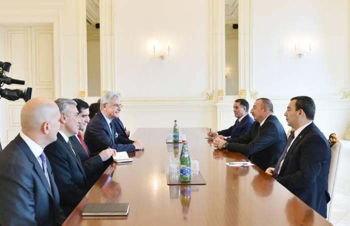 Ilham Aliyev recibe a la delegación turca