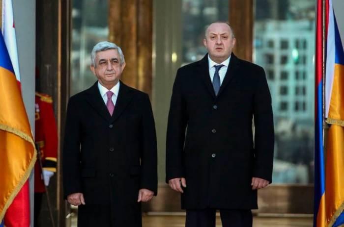 Sarkisyan gürcü həmkarı ilə görüşüb