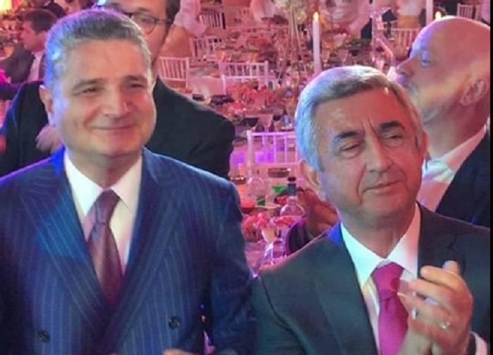 Sarkisyanın olduğu toyda Azərbaycan mahnısı səsləndi - VİDEO