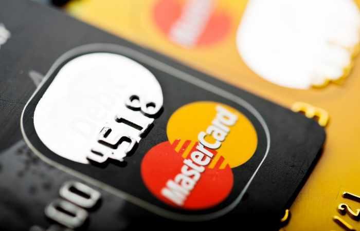 Bei der neuer Kreditkarte von Mastercard braucht ihr keinen Pincode mehr — dafür etwas anderes