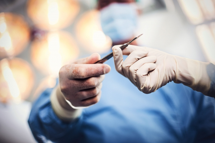 Researchers find women make better surgeons than men