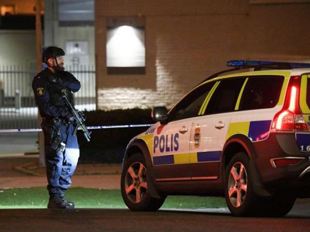Sweden bomb: Powerful explosion heard at entrance to Helsingborg police station