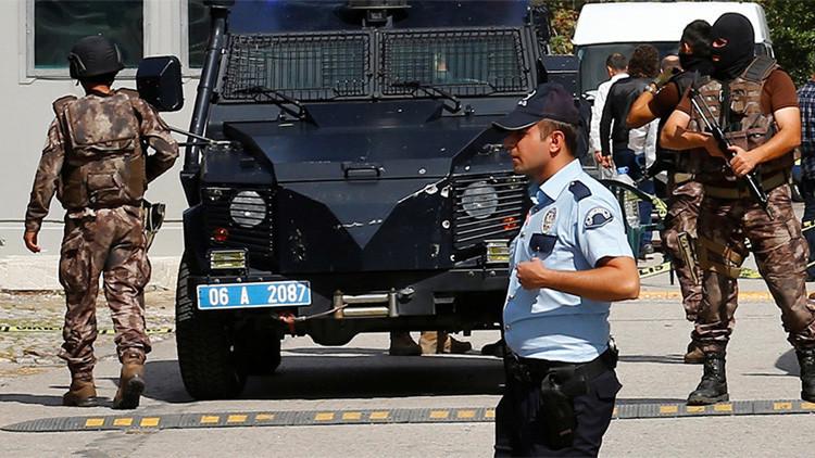 Terroristas suicidas atacan sede policial en la capital de la provincia afgana de Paktia