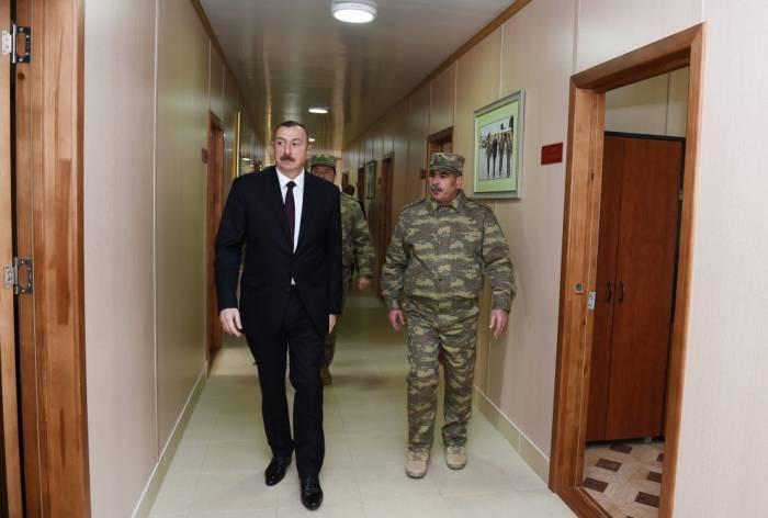 İlham Əliyev hərbi hissəyə baş çəkdi - FOTOLAR