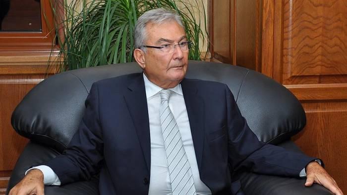 Azərbaycan əleyhinə səs verən deputat danışa bilmir